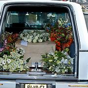 NLD/Amsterdam/20101012 - Herdenkingsdienst overleden Antonie Kamerling, kist overdekt met bloemen