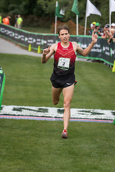 Ben True wins in 28:17, first American to win the race in it's 19-year history