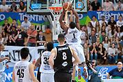 DESCRIZIONE : Trento Lega A 2014-15 <br /> Dolomiti Energia Trento vs Granarolo Bolognaa<br /> GIOCATORE : Mitchell Tony<br /> CATEGORIA : Controcampo Schiacciata curiosità sequenza<br /> SQUADRA : Dolomiti Energia Trento<br /> EVENTO : Campionato Lega A 2014-2015 GARA :Dolomiti Energia Trento vs Granarolo Bologna<br /> DATA : 10/05/2015 <br /> SPORT : Pallacanestro <br /> AUTORE : Agenzia Ciamillo-Castoria/IvanMancini<br /> Galleria : Lega Basket A 2014-2015 Fotonotizia : Trento Lega A 2014-15 Dolomiti Energia Trento vs Granarolo Bologna<br /> Predefinita: