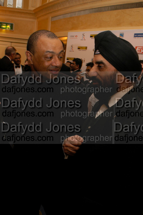 Paul Boateng and Dr. Kartar Lalvani winner of the DTI Inovation Award. The Asian Business Awards 2005. Hilton. London. 7 April 2005. ONE TIME USE ONLY - DO NOT ARCHIVE  © Copyright Photograph by Dafydd Jones 66 Stockwell Park Rd. London SW9 0DA Tel 020 7733 0108 www.dafjones.com