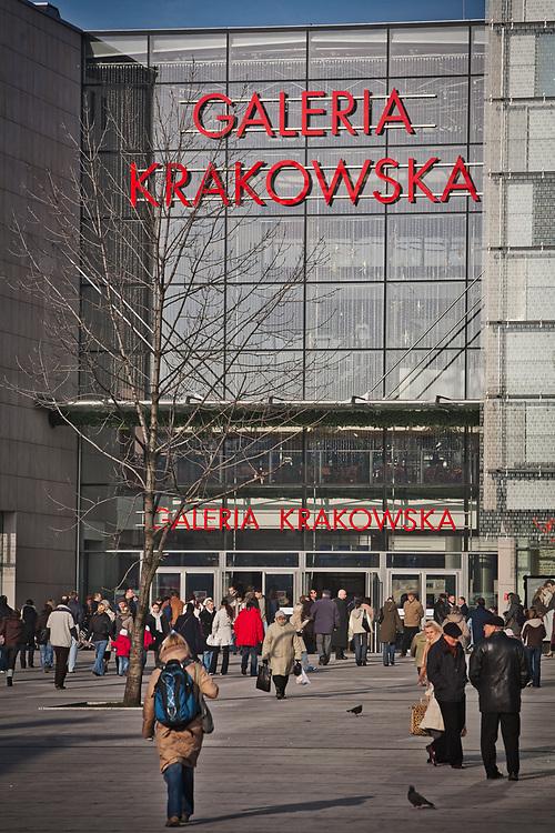 Centrum handlowe - Galeria Krakowska mieszczące się przy dworcu PKP