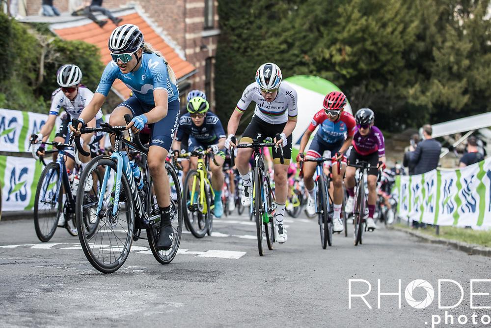 Peloton up the infamous Mur de Huy<br /> <br /> 24th la Flèche Wallonne Féminin 2021 (1.UWT)<br /> 1 Day Race: Huy – Huy 130,5km<br /> <br /> ©RhodePhoto