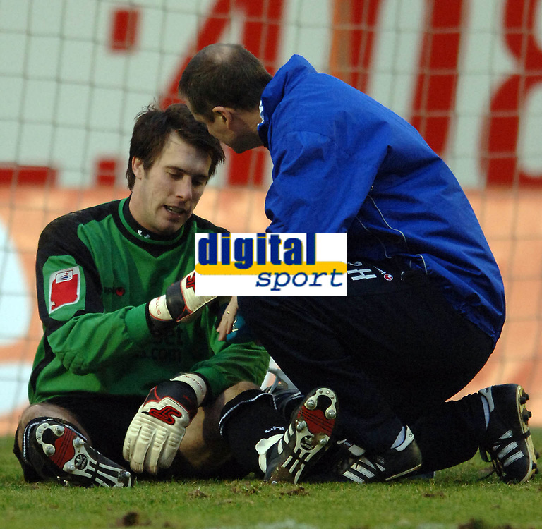 Photo: Paul Greenwood.<br />Blackpool v Norwich City. The FA Cup. 27/01/2007. Blackpool's keeper Rhys Evans recieves treatment