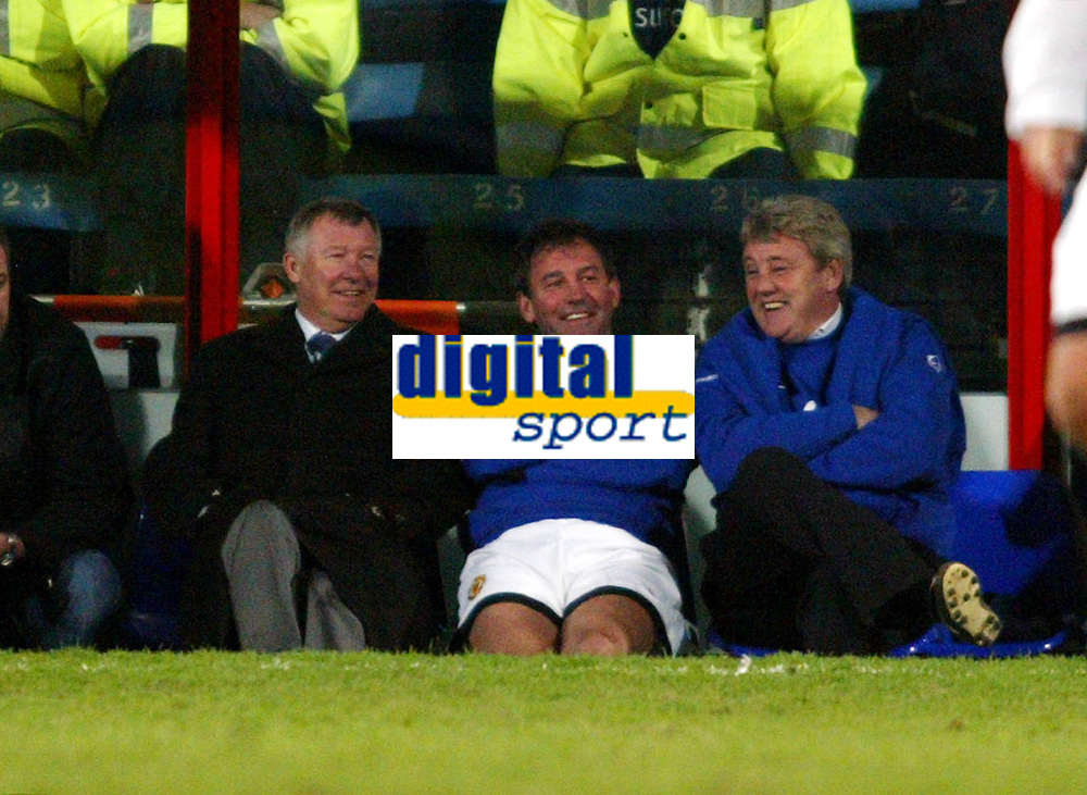 Photo: Chris Ratcliffe.<br /> Geoff Thomas Charity Event. Crystal Palace v Manchester United. 06/04/2006.<br /> Bryan Robson, Sir Alex Ferguson and Steve Bruce share a joke on the bench
