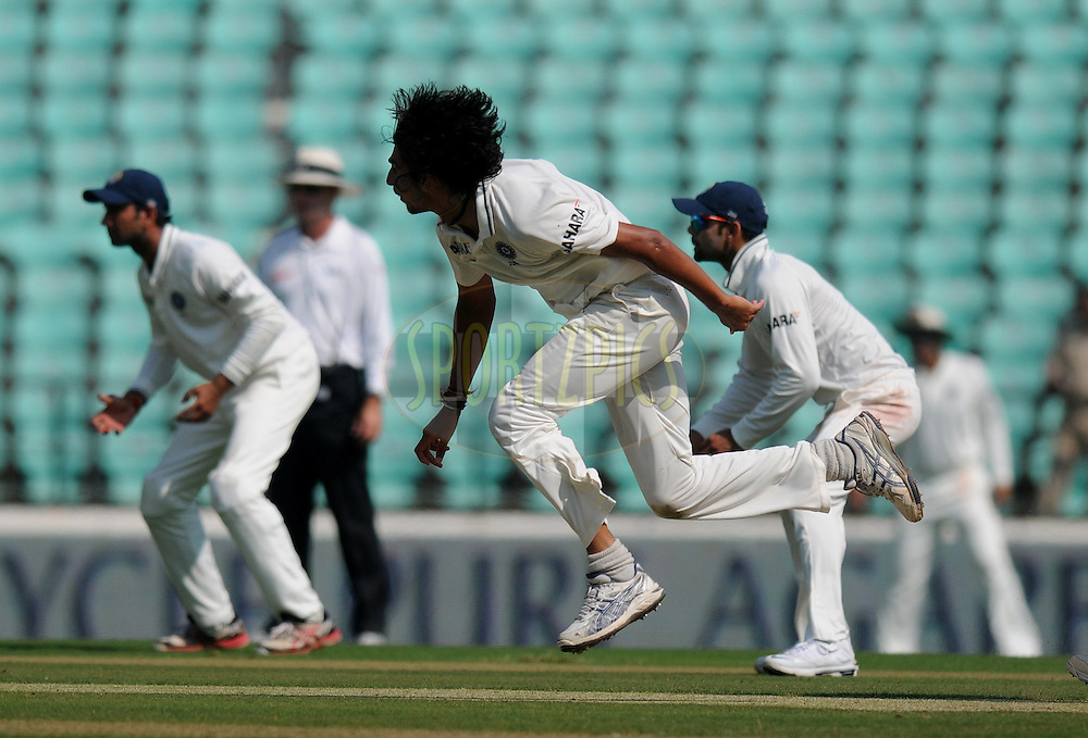 Ishant Sharma of India bowls during day one of the 4th Airtel Test Match between India and England held at VCA ground in Nagpur on the 13th December 2012..Photo by  Pal Pillai/BCCI/SPORTZPICS .
