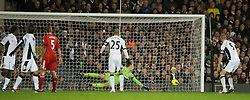 05.12.2011, Craven Cottage Stadion, London, ENG, PL, FC Fulham vs FC Liverpool, 14. Spieltag, im Bild Fulham's goalkeeper Mark Schwarzer looks on helplessly as the ball hits the post from a shot by Liverpool's Jordan Henderson during the football match of English premier league, 14th round, between FC Fulham and FC Liverpool at Craven Cottage Stadium, London, United Kingdom on 05/12/2011. EXPA Pictures © 2011, PhotoCredit: EXPA/ Sportida/ David Rawcliff..***** ATTENTION - OUT OF ENG, GBR, UK *****