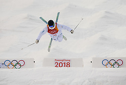 February 9, 2018 - Pyeongchang, South Korea - 180209 Felix Elofsson of Sweden compete in the MenÃ•s Moguls Qualification during the 2018 Winter Olympics on February 9, 2018 in Pyeongchang..Photo: Petter Arvidson / BILDBYRN / kod PA / 91956 (Credit Image: © Petter Arvidson/Bildbyran via ZUMA Press)