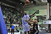 DESCRIZIONE : Eurocup 2013/14 Gr. J Dinamo Banco di Sardegna Sassari -  Brose Basket Bamberg<br /> GIOCATORE : Caleb Green<br /> CATEGORIA : Tiro Penetrazione<br /> SQUADRA : Dinamo Banco di Sardegna Sassari<br /> EVENTO : Eurocup 2013/2014<br /> GARA : Dinamo Banco di Sardegna Sassari -  Brose Basket Bamberg<br /> DATA : 19/02/2014<br /> SPORT : Pallacanestro <br /> AUTORE : Agenzia Ciamillo-Castoria / Luigi Canu<br /> Galleria : Eurocup 2013/2014<br /> Fotonotizia : Eurocup 2013/14 Gr. J Dinamo Banco di Sardegna Sassari - Brose Basket Bamberg<br /> Predefinita :
