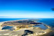 Nederland, Friesland, Terschelling, 28-02-2016; West-Terschelling met Groen strand, Kroonpolders en de Zandplaat Noordsvaarder, voormalig militair Oefen- en schietterrein <br /> Wadden island Terschelling from the East, Wadden sea. <br /> luchtfoto (toeslag op standard tarieven);<br /> aerial photo (additional fee required);<br /> copyright foto/photo Siebe Swart