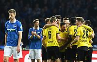 Fotball<br /> Tyskland<br /> Foto: Witters/Digitalsport<br /> NORWAY ONLY<br /> <br /> 0:1 Jubel v.l. Jens Hegeler (Berlin), Sven Bender, Mats Hummels, Torschuetze Gonzalo Castro, Lukasz Piszczek (Dortmund)<br /> Berlin, 20.04.2016, Fussball, DFB-Pokal, Halbfinale, Hertha BSC Berlin - Borussia Dortmund