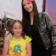 NLD/Amsterdam/20080716 - Premiere Wall-E, Dewi Pechler en dochter Nomi