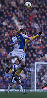 Fotball: Blackburn Alan Mahon and Leeds Oliver Dacourt.<br /><br />Foto: David Rawcliffe, Digitalport