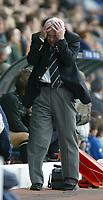 Fotball<br /> <br /> Foto; SBI/Digitalsport<br /> NORWAY ONLY<br /> <br /> Leeds United v Blackburn Rovers, Barclaycard Premier league, Elland Road, Leeds 04/10/2003.<br /> Leeds' Peter Reid cannot cope with the pressure.