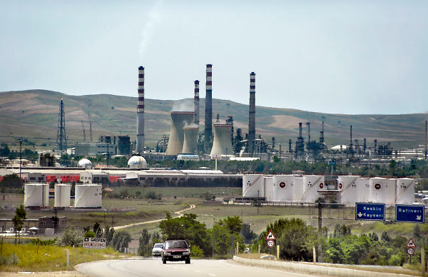 Turkije, Anatolie, 8-6-2011Raffinaderij in de buurt van Keskin.Foto: Flip Franssen