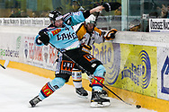 05.03.2011, Rapperswil-Jona, Eishockey NLA, Rapperswil-Jona Lakers - HC Lugano, Marco Maurer (LAK) gegen Steve Hirschi (LUG)  (Thomas Oswald/hockeypics)