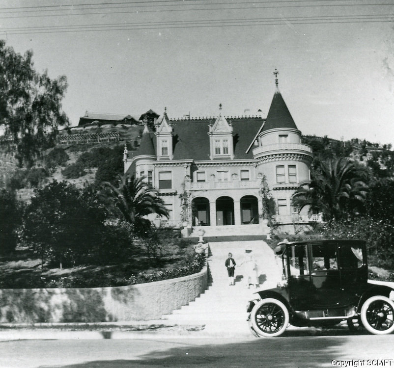 1918 Residence of Rolin Lane on Franklin Ave. Now known as the Magic Castle