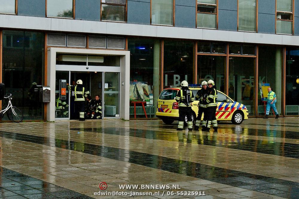 NLD/Huizen/20080820 - 6 Mensen onwel uitgaanscentrum Graaf Wichman Huizen