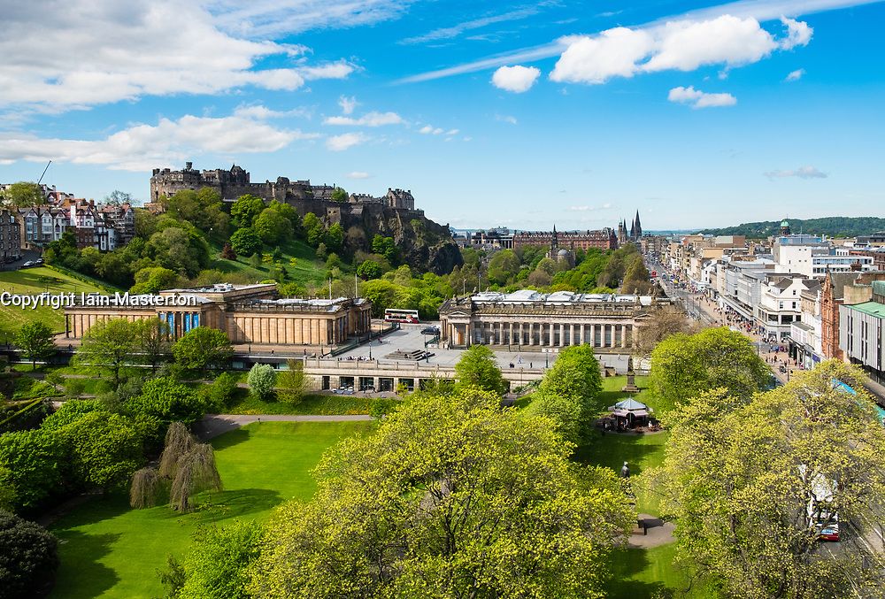 Skyline of Princes Street Gardens, Edinburgh Castle, The Scottish National Gallery (L) and the Royal Scottish Academy (R)  in Edinburgh, Scotland, UK