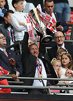 Football - 2018 / 2019 EFL Sky Bet League One Play-Off Final - Sunderland vs. Charlton<br /> <br /> Charlton Manager, Lee Bowyer lifts the trophy, at Wembley Stadium.<br /> <br /> COLORSPORT/ANDREW COWIE
