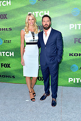September 13, 2016 - Los Angeles, Kalifornien, USA - Mark-Paul Gosselaar mit Gattin Catriona McGinn bei der Premiere der FOX TV-Serie 'Pitch' auf dem West LA Little League Field. Los Angeles, 13.09.2016 (Credit Image: © Future-Image via ZUMA Press)