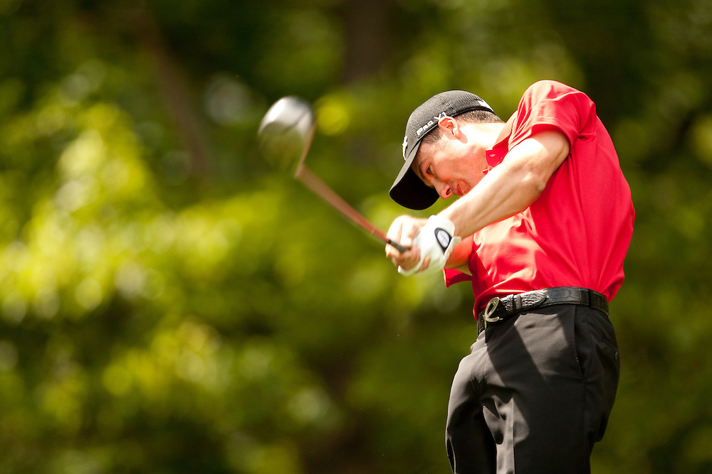 FARMINGDALE, NY - JUNE 18:  Ross Fisher hits his tee shot during the first round of the 109th U.S. Open Championship on the Black Course at Bethpage State Park on Thursday, June 18, 2009. (Photograph by Darren Carroll) *** Local Caption *** Ross Fisher