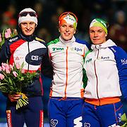 NLD/Heerenveen/20130112 - ISU Europees Kampioenschap Allround schaatsen 2013 dag 2, huldiging winnaars 3000 meter dames, 1e Ireen Wüst, 2de Martina Sábliková, 3de Linda de Vries