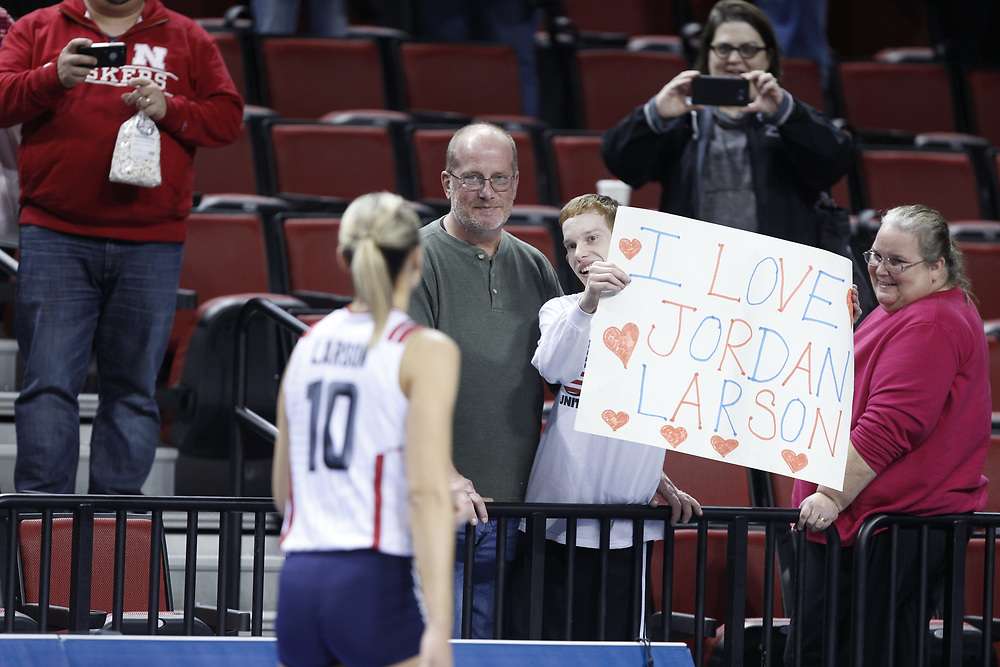 Jordan Larson #10 walks to greet a fan following USA Volleyball's 3-0 win over Canada at Pinnacle Bank Arena in Lincoln, Neb., on Jan. 7, 2016. Photo by Aaron Babcock, Hail Varsity
