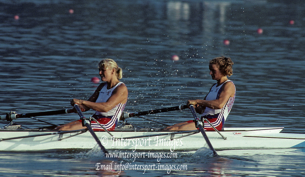 Barcelona, SPAIN.   GBR W2X. Bow, Annabel EYRES , Alison GILL.  1992 Olympic Rowing Regatta Lake Banyoles, Catalonia [Mandatory Credit Peter Spurrier/ Intersport Images]
