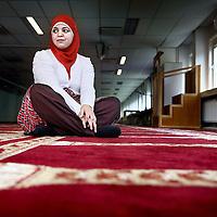 "Nederland, Amsterdam , 16 augustus 2010..Jasmine El- Ksaihi, voorzitter van de Poldermoskee en enige vrouwelijke voorzitter van een europese moskee..Jasmine El-Ksaihi, chairman of the ""Polder Mosque"" and only female president of a European mosque."