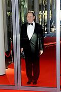 Uitreiking Koning Willem I prijs. De prijs, in de vorm van een beeldje, werd in de Nederlandse bank - Amsterdam uitgereikt door koningin Máxima, erevoorzitter van de stichting. <br /> <br /> King Willem I Award ceremony. The price in the form of a statuette, was in the Dutch banking - Amsterdam awarded by Queen Máxima, Honorary President of the Foundation.<br /> <br /> Op de foto / On the photo:  Nout Wellink
