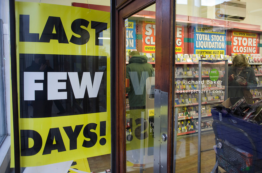 The last day of liquidated trading for shoppers in the closing Camberwell branch of Woolworths. ..