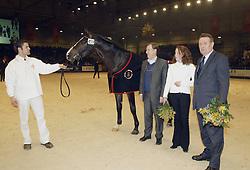 Duurste veiling paard met nieuwe eigenaar en fokker<br />KWPN hengstenkeuring 2003<br />Photo © Dirk Caremans