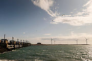 De Oosterscheldekering is vormt waterkering en is onderdeel van de Deltawerken waarmee Nederland beschermt wordt tegen overstromingen bij springvloed.  <br /> <br /> The Oosterscheldekering is a flood defense system and is part of the Delta Works that protects the Netherlands against flooding in the event of a flood.