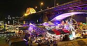 Nederland, The Netherlands, 16-7-2016Recreatie, ontspanning, cultuur, dans, theater en muziek in de binnenstad. Cultuurfestival de Kaaij, kaai. Een van de tientallen feestlocaties in de stad. Onlosmakelijk met de vierdaagse, 4daagse, zijn in Nijmegen de vierdaagse feesten, de zomerfeesten. Talrijke podia staat een keur aan artiesten, voor elk wat wils. Een week lang elke avond komen ruim honderdduizend bezoekers naar de stad. De politie heeft inmiddels grote ervaring met het spreiden van de mensen, het zgn. crowd control. De vierdaagsefeesten zijn het grootste evenement van Nederland en verbonden met de wandelvierdaagse. Foto: Flip Franssen