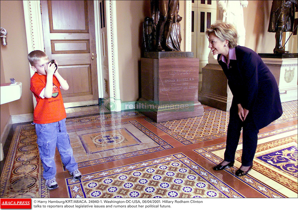 © Harry Hamburg/KRT/ABACA. 24940-1. Washington-DC-USA, 06/04/2001. Hillary Rodham Clinton talks to reporters about legislative issues and rumors about her political future.