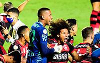 SAO PAULO, BRAZIL - FEBRUARY 25: Willian Arao and Gabriel Batista of CR Flamengo celebrates the championship ,after a Brasileirao Serie A 2020 match between Sao Paulo FC and CR Flamengo at Morumbi Stadium on February 25, 2021 in Sao Paulo, Brazil. (Photo by MB Media/BPA)