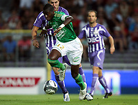 Fotball<br /> Frankrike<br /> Foto: DPPI/Digitalsport<br /> NORWAY ONLY<br /> <br /> FOOTBALL - FRENCH CHAMPIONSHIP 2009/2010 - L1 - TOULOUSE FC v AS SAINT ETIENNE - 15/08/2009<br /> <br /> BLAISE MATUIDI / PIERRE ANDRE GIGNAC (TOU)