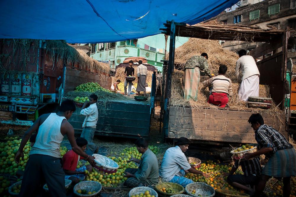 Kolkata's fruit market