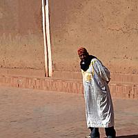 Africa, Morocco, Ouarzazate. Berber man of Ouarzazate.