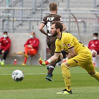 nph00001  17.05.2020 --- Fussball --- Saison 2019 2020 --- 2. Fussball - Bundesliga --- 26. Spieltag: FC Sankt Pauli - 1. FC Nürnberg ---  DFL regulations prohibit any use of photographs as image sequences and/or quasi-video - Only for editorial use ! --- <br /> <br /> Robin Himmelmann (30, FC St. Pauli ) <br /> <br /> Foto: Daniel Marr/Zink/Pool//via Kokenge/nordphoto
