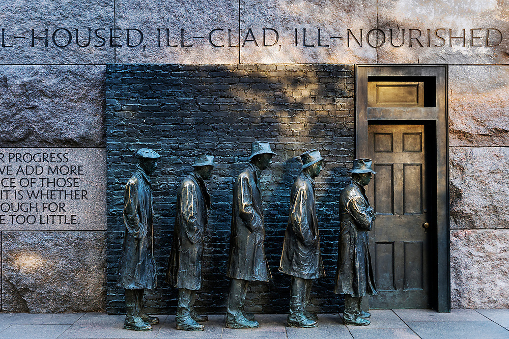 """""""The Bread Line"""" sculpture by  George Segal depicting the Great Depression, Franklin Delano Roosevelt memorial, Washington DC, USA"""
