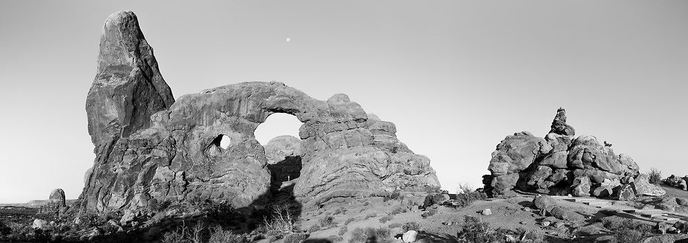 https://Duncan.co/turret-arch-black-and-white