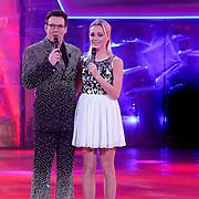 NLD/Hilversum/20130101 - 1e Liveshow Sterren dansen op het IJs 2013, Gerard Joling en Tess Milne