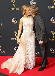 Felicity Huffman, William H. Macy  bei der Verleihung der 68. Primetime Emmy Awards in Los Angeles / 180916<br /> <br /> *** 68th Primetime Emmy Awards in Los Angeles, California on September 18th, 2016***