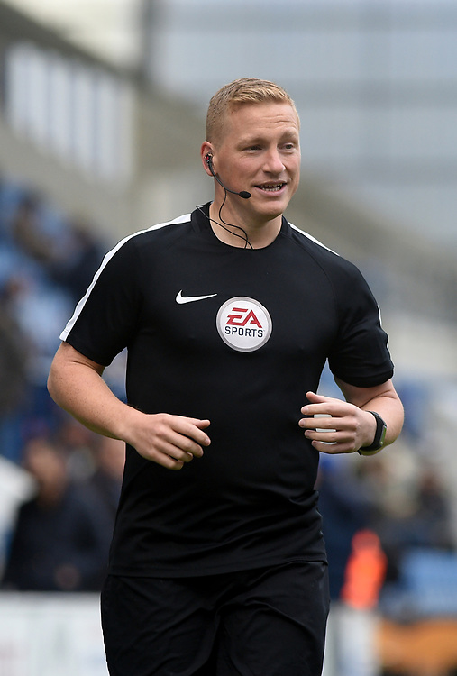 Referee John Busby warming up<br /> <br /> Photographer Hannah Fountain/CameraSport<br /> <br /> The EFL Sky Bet League Two - Colchester United v Mansfield Town - Saturday 7th October 2017 - Colchester Community Stadium - Colchester<br /> <br /> World Copyright © 2017 CameraSport. All rights reserved. 43 Linden Ave. Countesthorpe. Leicester. England. LE8 5PG - Tel: +44 (0) 116 277 4147 - admin@camerasport.com - www.camerasport.com