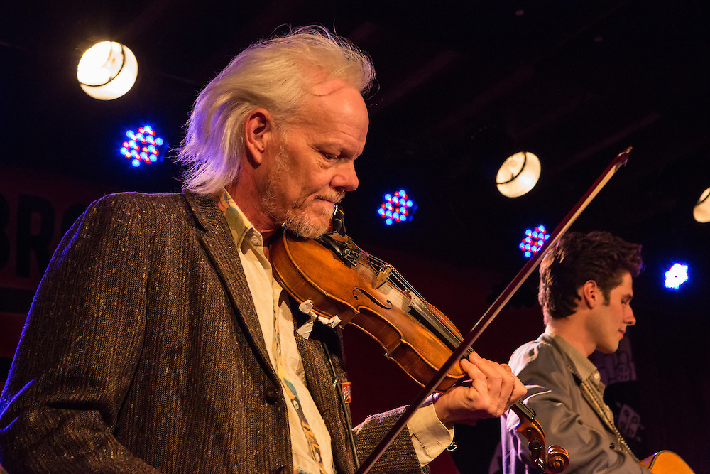 """Fiddler Mike """"Razz"""" Russell playing with The Cactus Blossoms, a western band from Minnesota."""