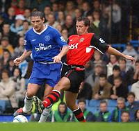 Photo. Daniel Hambury.Digitalsport<br /> Barclays Premiership.<br /> Chelsea v Blackburn Rovers. 23/10/2004.<br /> Chelsea's Lampard and Blackburn Rovers' Neill