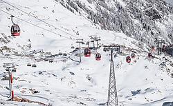 THEMENBILD - Gondeln des Gletscherjet 2, der Sessellift Kristallbahn und die verschneiten Skipisten bei Sonnenschein, aufgenommen am 10. November 2019, Kaprun, Österreich // Gondolas of the Gletscherjet 2, the Kristallbahn chairlift and the snow-covered ski slopes in the sunshine on 2019/11/10, Kaprun, Austria. EXPA Pictures © 2019, PhotoCredit: EXPA/ Stefanie Oberhauser