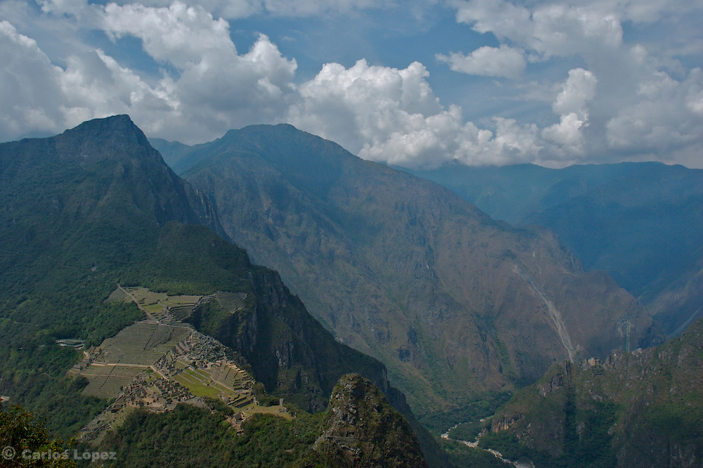 THE RUINS OF MACHU PICCHU VIEWED FROM THE MOUNTAIN OF THE WAYNA PICCHU, IN CUSCO, PERU. NOW IT IS ONE OF THE NEW SEVEN WONDER OF THE MODERN WORLD.
