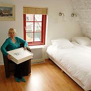 NLD/Huizen/20060403 - Bed and Breakfast de Taanderij Taandersdwarsweg 2 Huizen Annemiek Verstraaten